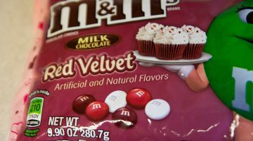 Is Red Velvet Cake Chocolate Cake With Red Food Coloring