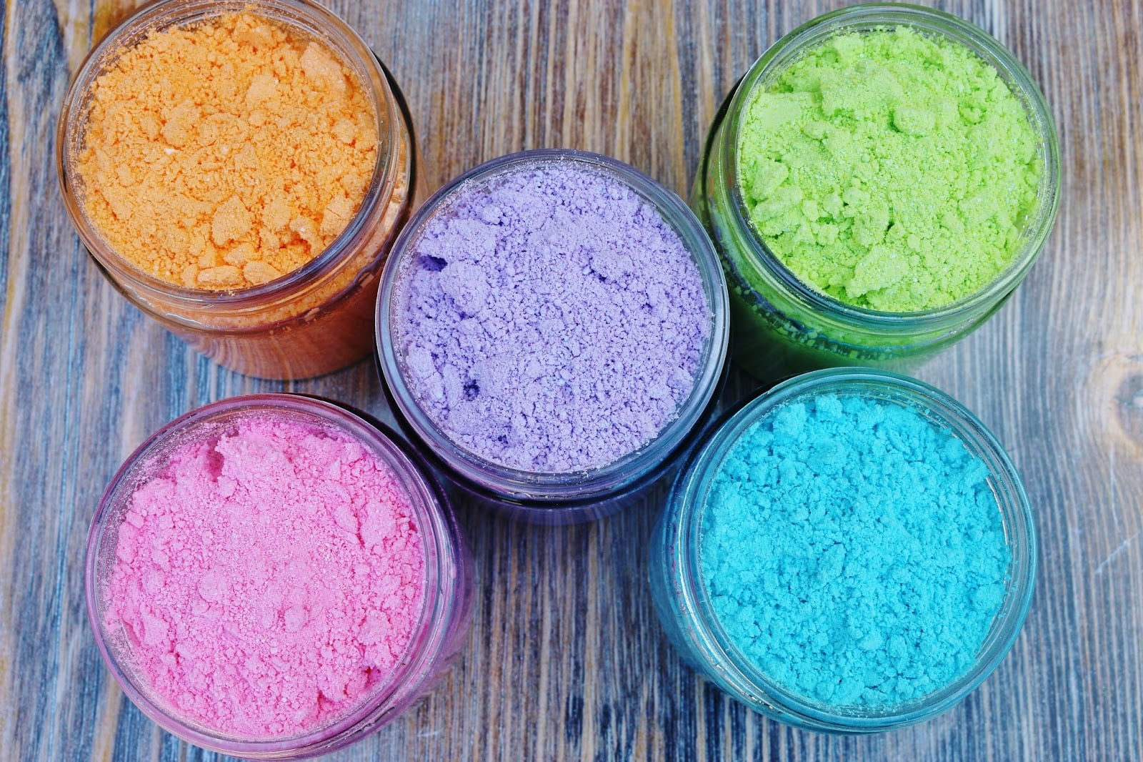 My Simple Modest Chic  Diy Color Powder For A Color Fight!