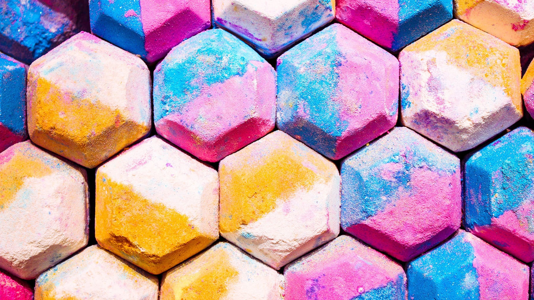 The 5 Best Bath Bomb Colorants For Spectacular Color