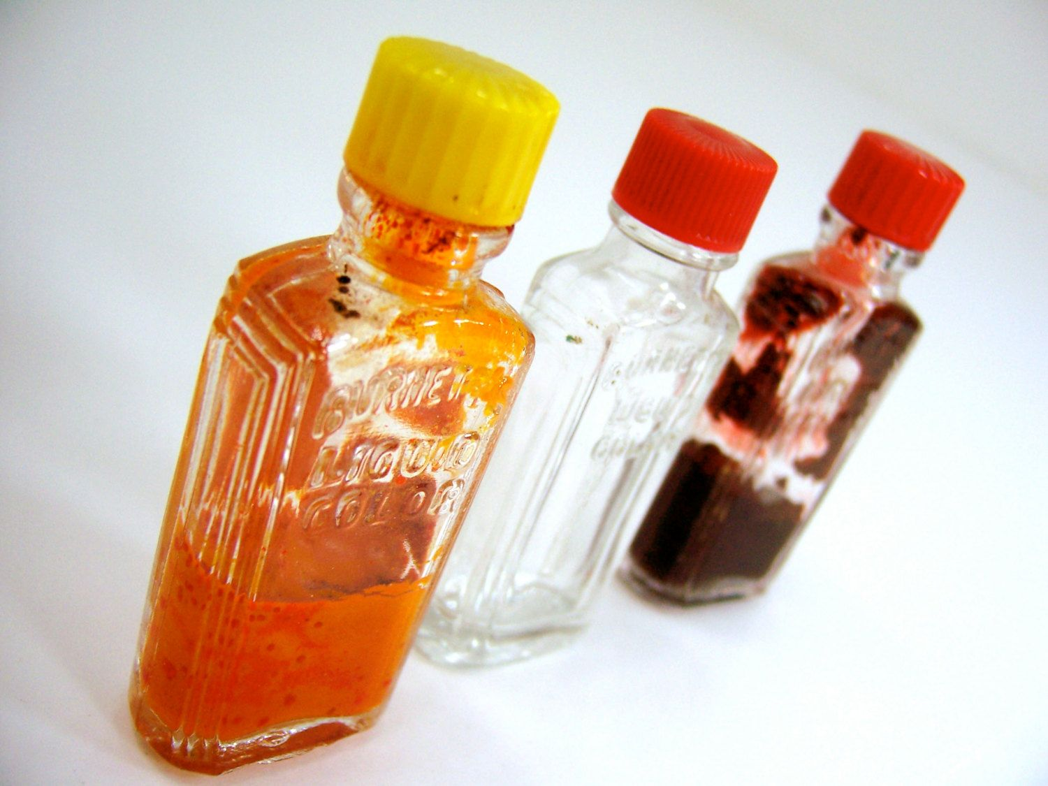 3 Small Glass Bottles, Art Deco Vintage 1940s Dry Food Coloring
