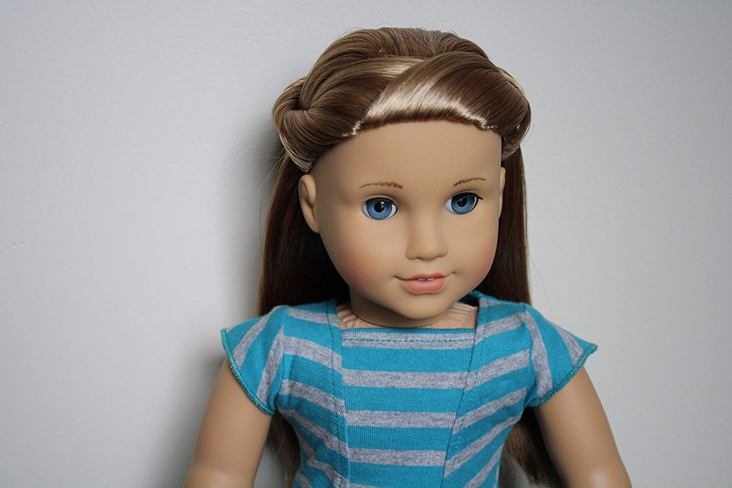 Amazon Com  American Girl Mckenna Doll And Book Doll Of The Year